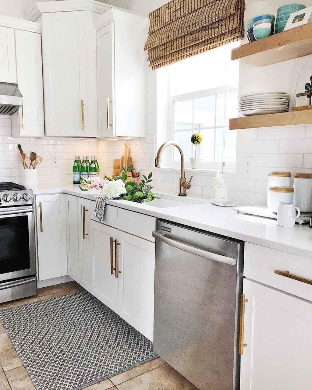 Fabulous Summer Kitchen Backsplash Ideas 19