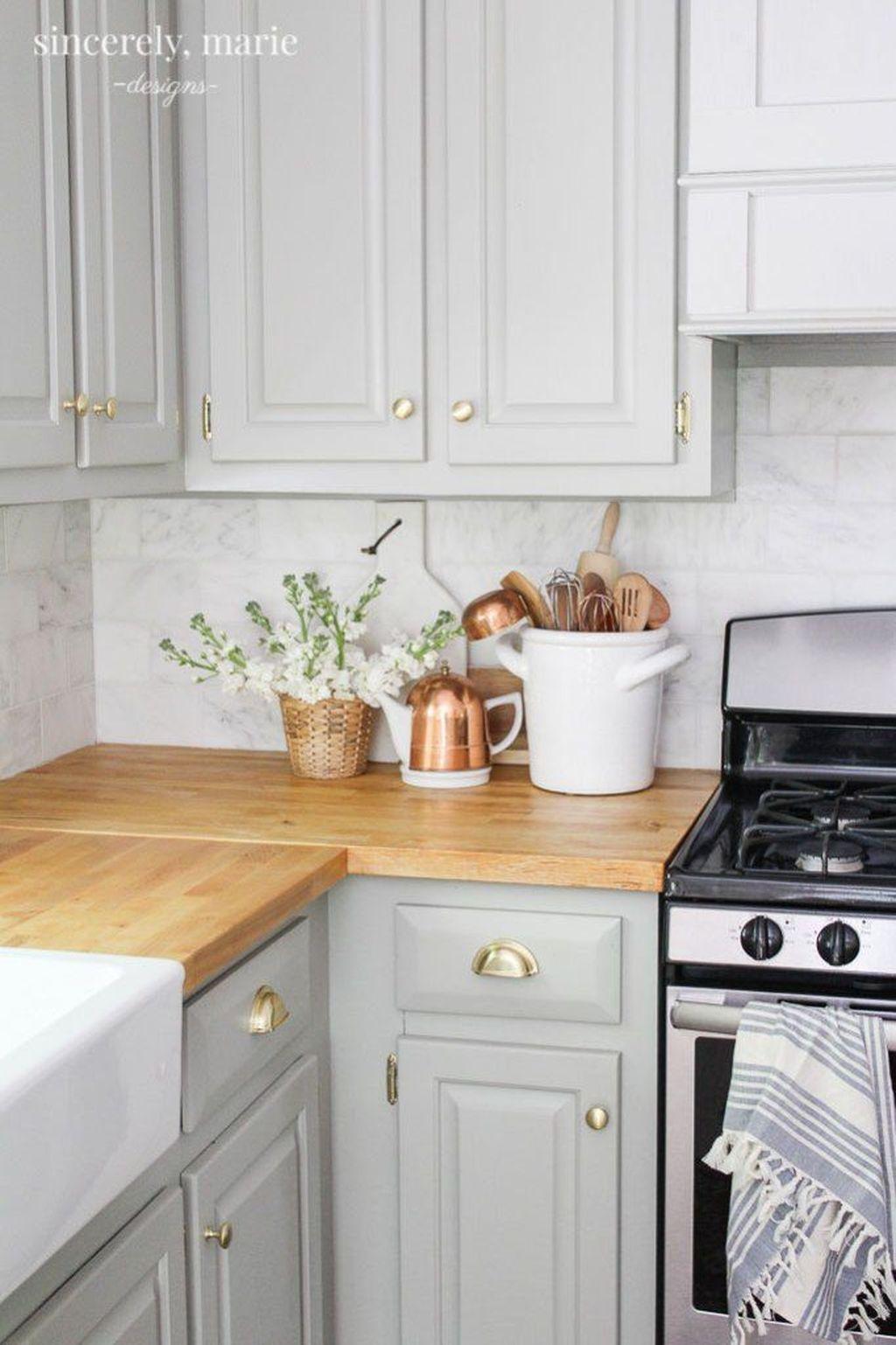 Fabulous Summer Kitchen Backsplash Ideas 32