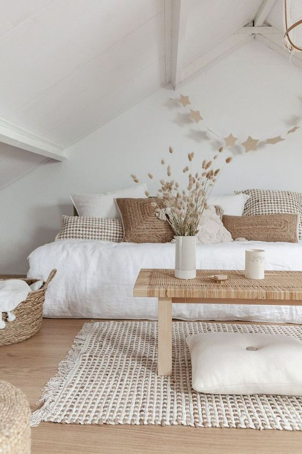 Fascinating Summer Bedroom Decor Ideas 01