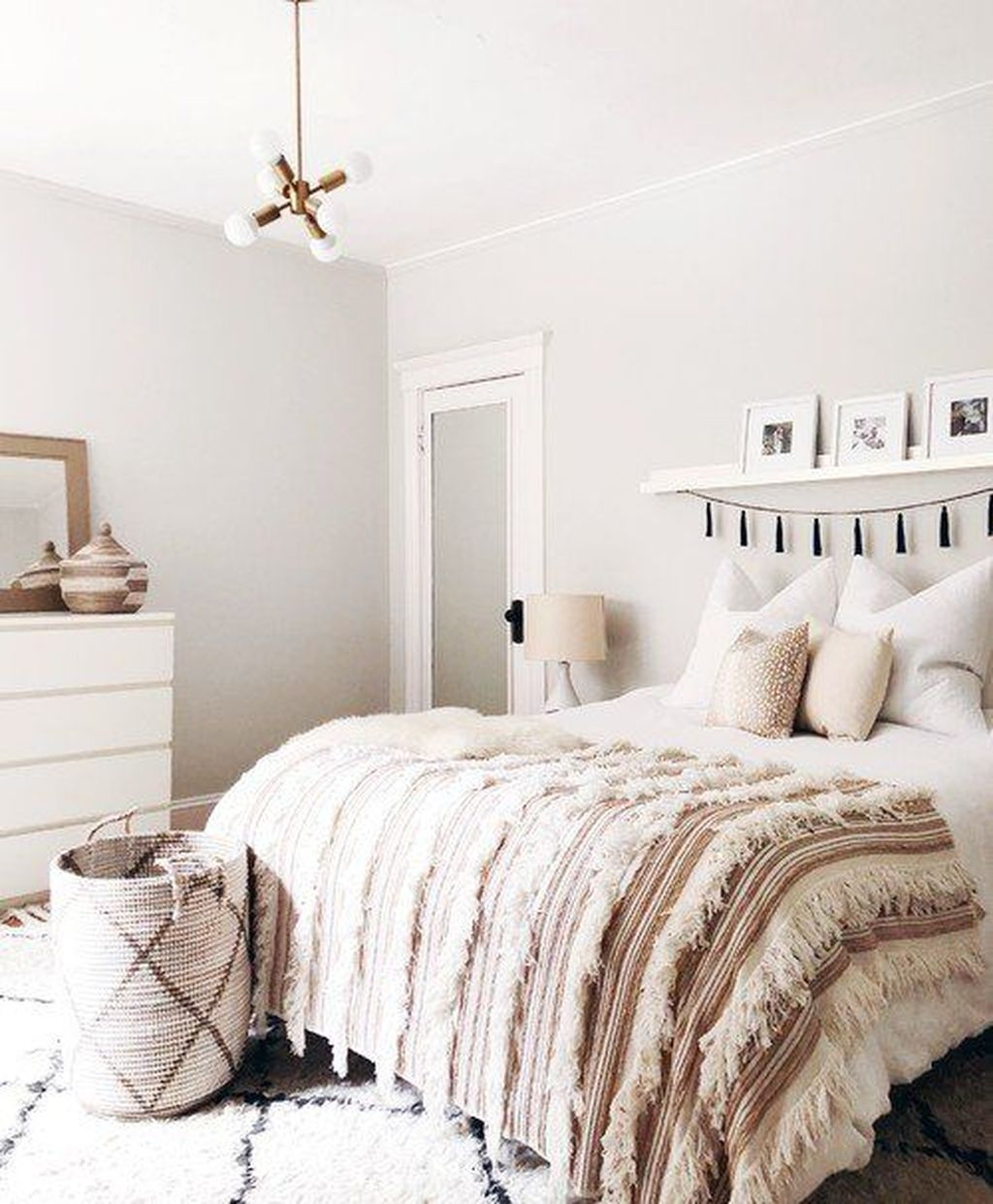 Fascinating Summer Bedroom Decor Ideas 04