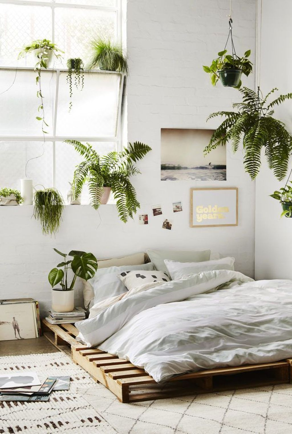 Fascinating Summer Bedroom Decor Ideas 13
