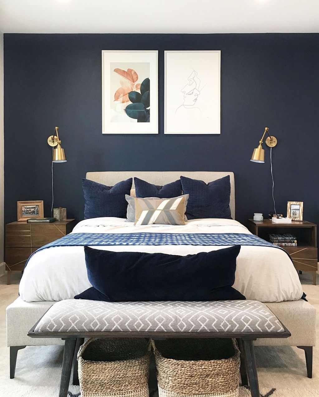 Inspiring Navy Blue Bedroom Decor Ideas You Should Copy 05