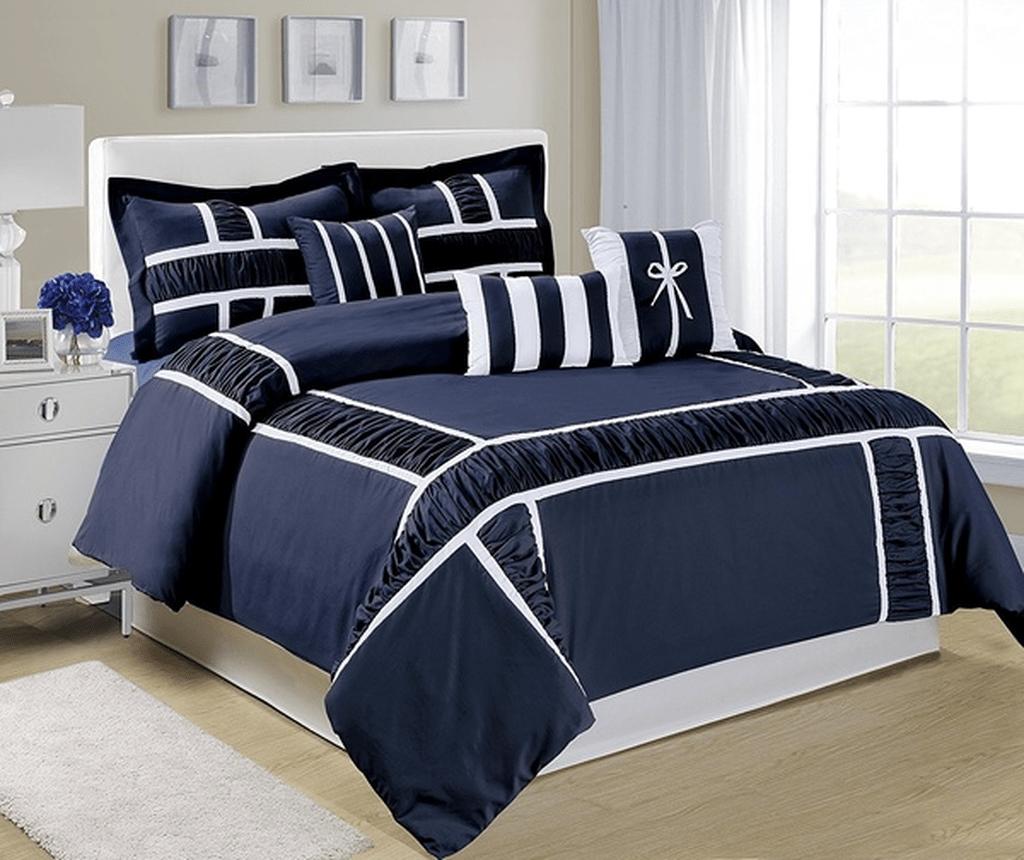 Inspiring Navy Blue Bedroom Decor Ideas You Should Copy 32