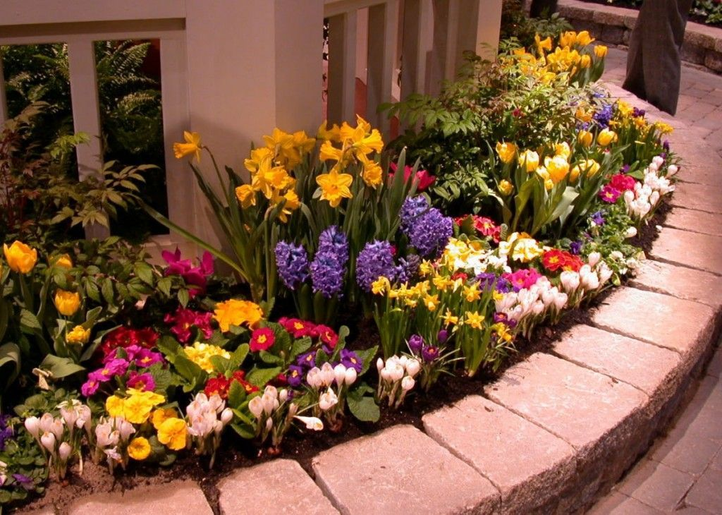 Lovely Flower Beds Design Ideas In Front Of House 14