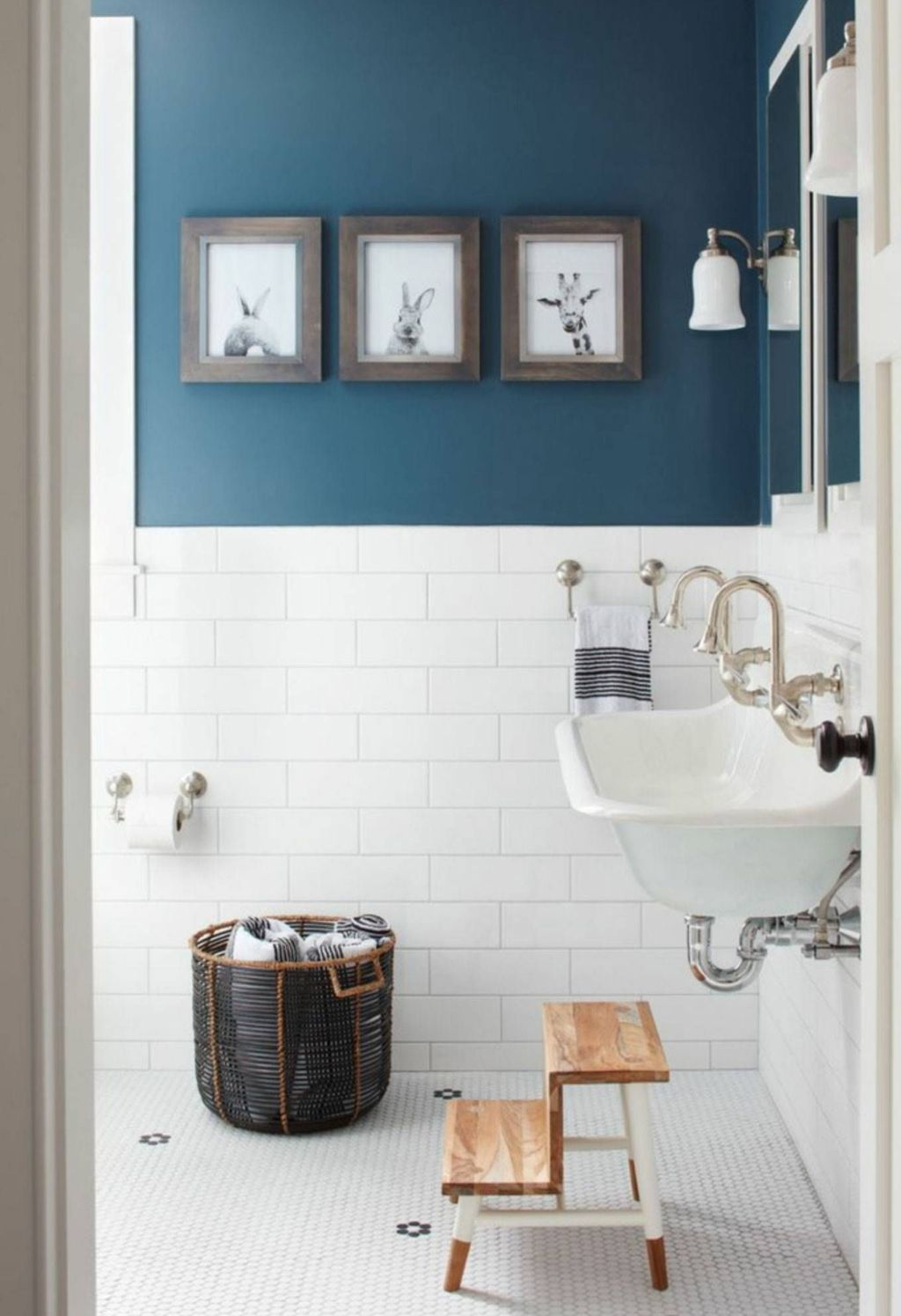 Nice Blue Color Bathroom Decor Ideas 10