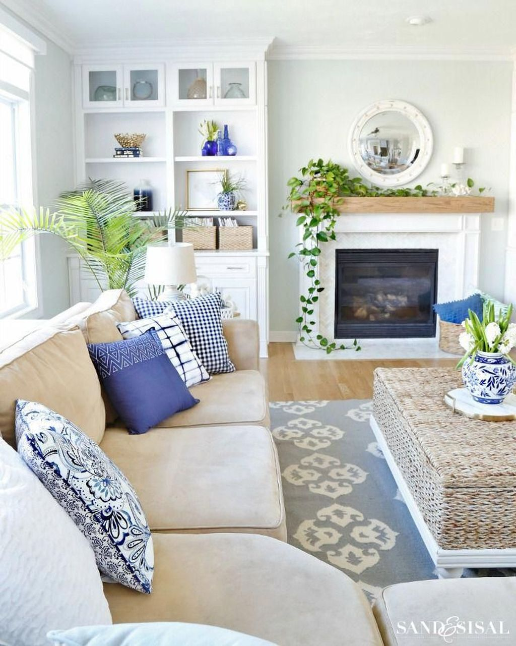 Popular Spring Living Room Decor Ideas 04