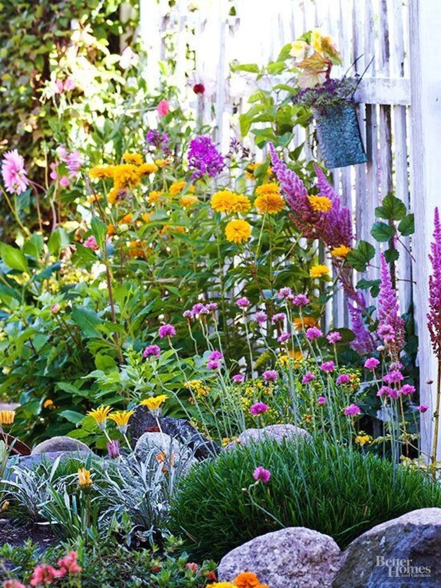 Stunning Backyard Flower Garden Ideas You Should Copy Now 25