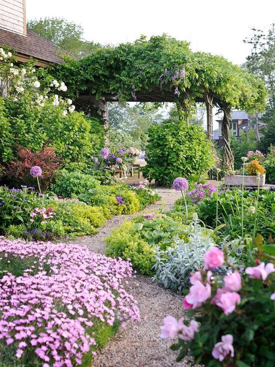Stunning Backyard Flower Garden Ideas You Should Copy Now 27