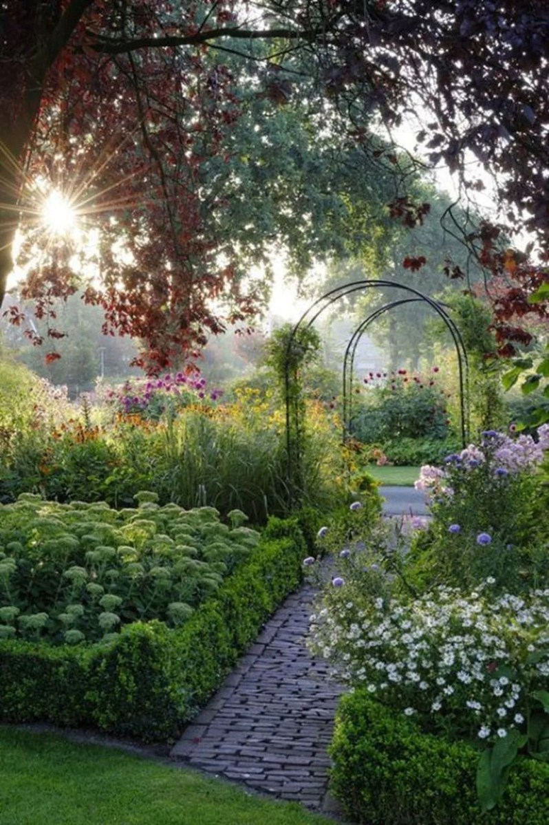 Stunning Backyard Flower Garden Ideas You Should Copy Now 29