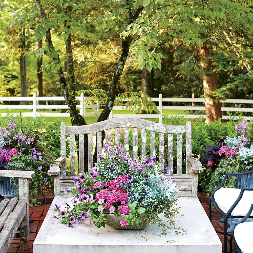 Stunning Backyard Flower Garden Ideas You Should Copy Now 37