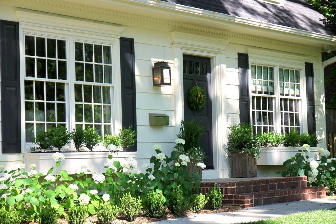 Stunning Summer House Colors Exterior Ideas 14