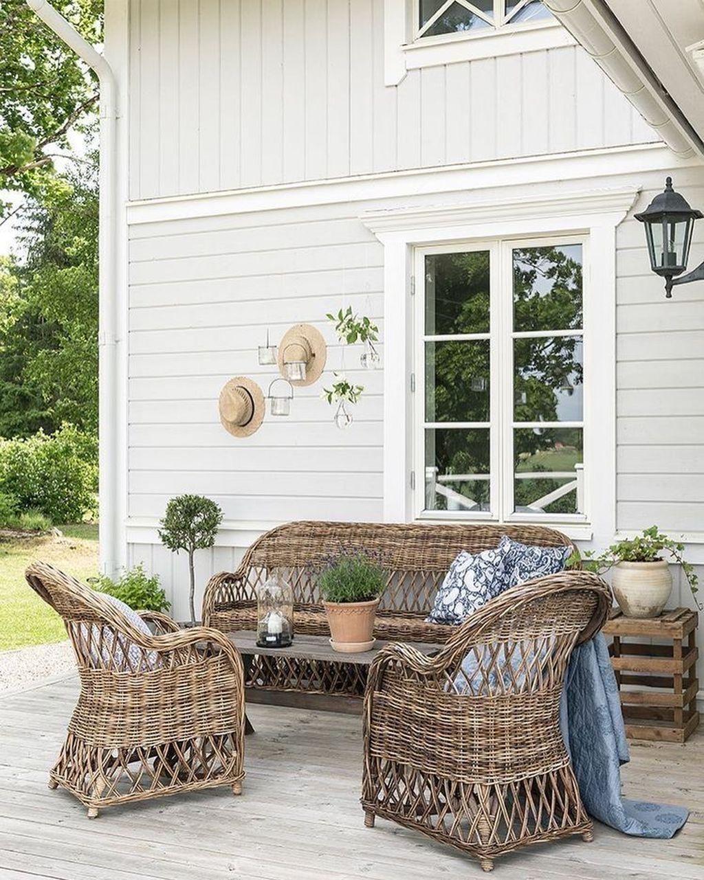 Stunning Summer House Colors Exterior Ideas 23