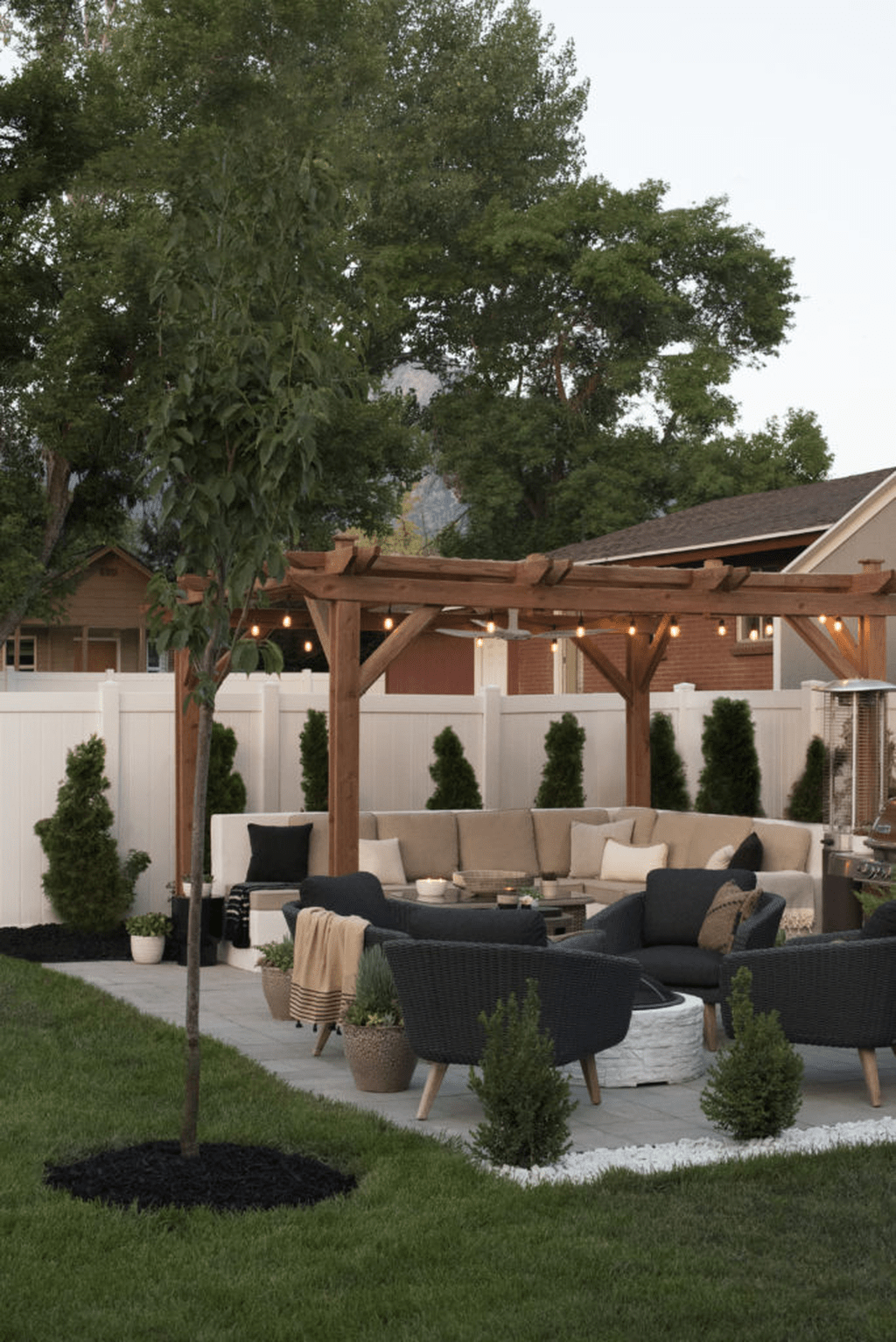 Wonderful Backyard Patio Designs Ideas Perfect For Summertime 17