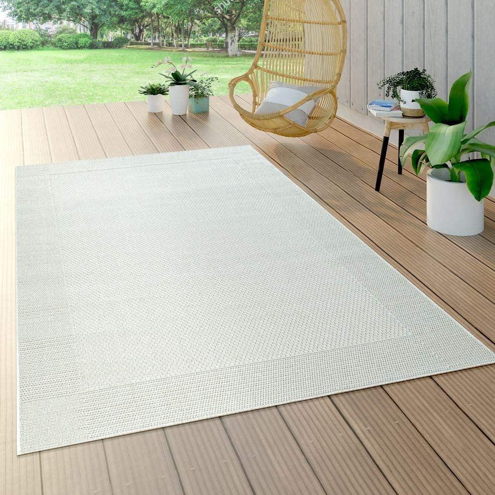 délimiter l'espace de sa terrasse avec un tapis d'extérieur