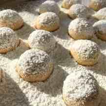 Kourambiedes, Greek Christmas cookies.