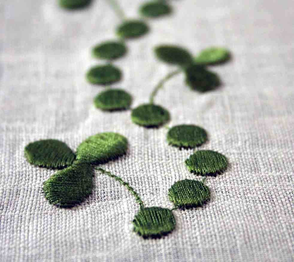 Free download shamrock embroidery design
