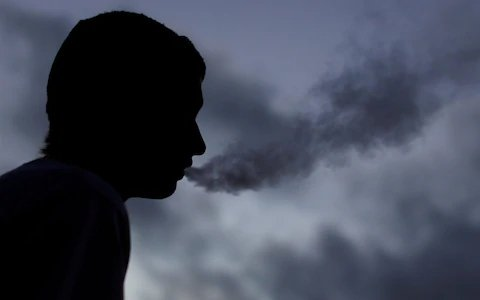 CDC says stop vaping as mystery lung condition spreads