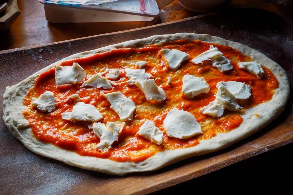 WhatsApp Image 2020 05 06 at 00.18.29 5 1024x683 - Ciasto na pizzę neapolitańską (jeszcze lepsze)