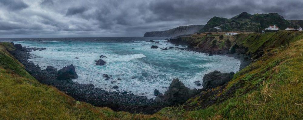 Panorama wybrzeża na Azorach