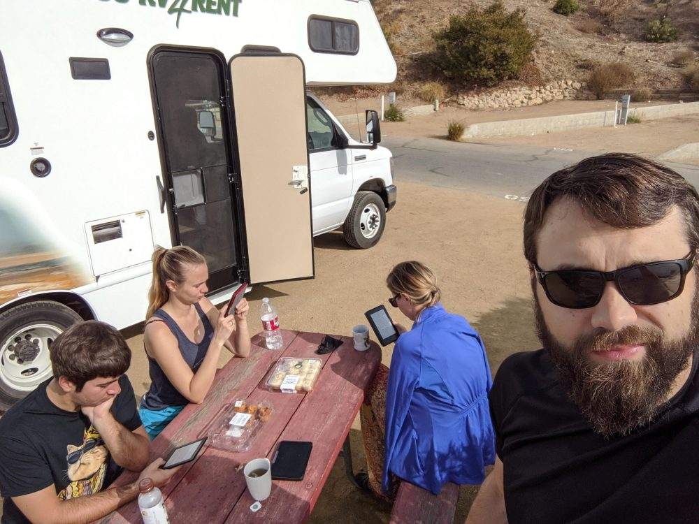 Kamperem po Stanach | Popołudniowy relaks na kempingu w Malibu