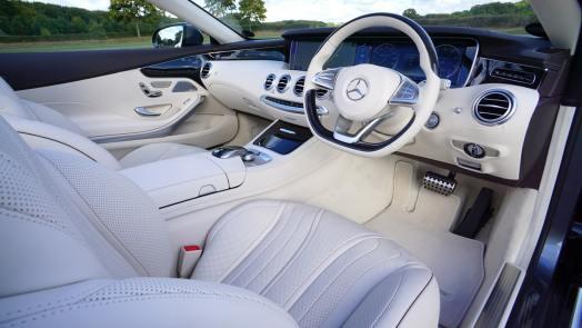 Mercedes Interior - New vs used car