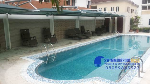 commercial swimming pool builders