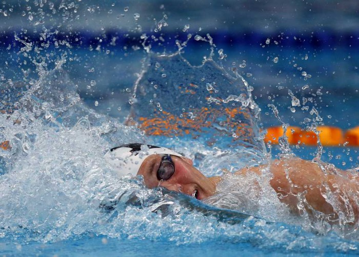 Ewan Jackson swims the Mens 200m during Session Two of the 2015 New Zealand Short Course Championships, Sir Owen G. Glenn National Aquatic Centre, Auckland, New Zealand, 11 August 2015. Photo: Simon Watts/www.bwmedia.co.nz