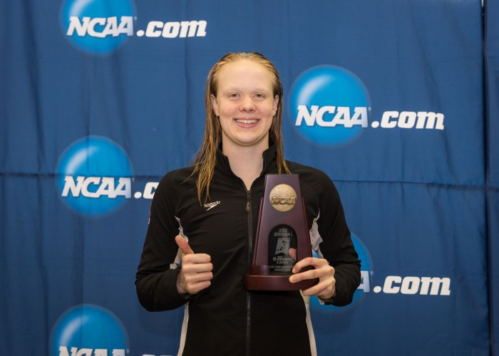 2016.03.19 2016 Womens NCAA Swimming Championships_Texas A&M Lisa Bratton