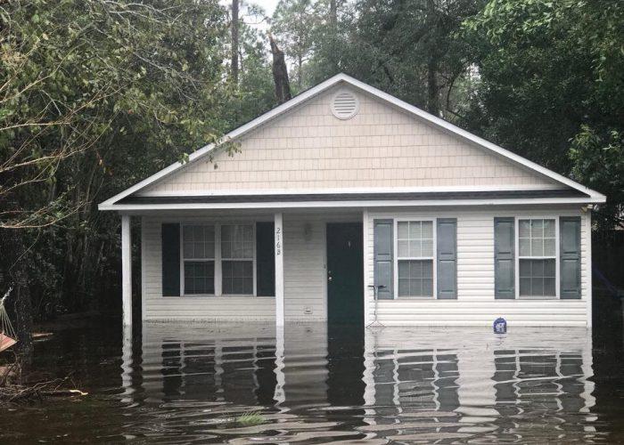 uncw-boys-house-flooding