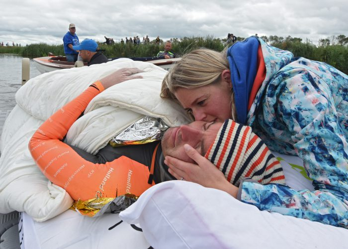 open-water-maarten-van-der-weijden-elfstedentocht-resting-nap