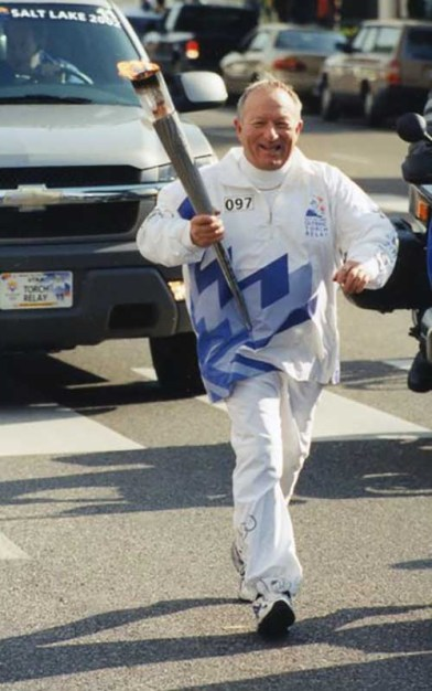 felix-grossman-ishof-honoree-diver-olympic-torch