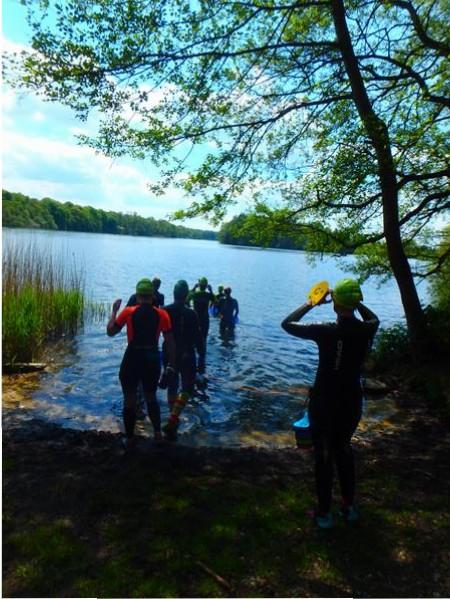 SwimRun RG Hamburg auf zur letzten Schwimmstrecke im See