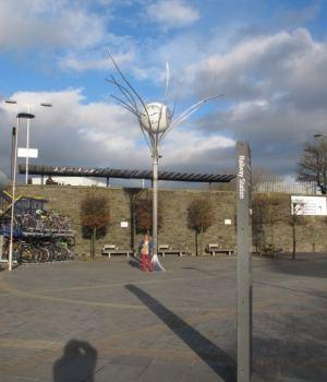 Swindon civic voice walker's guide - The Jubilee clock Swindon Station