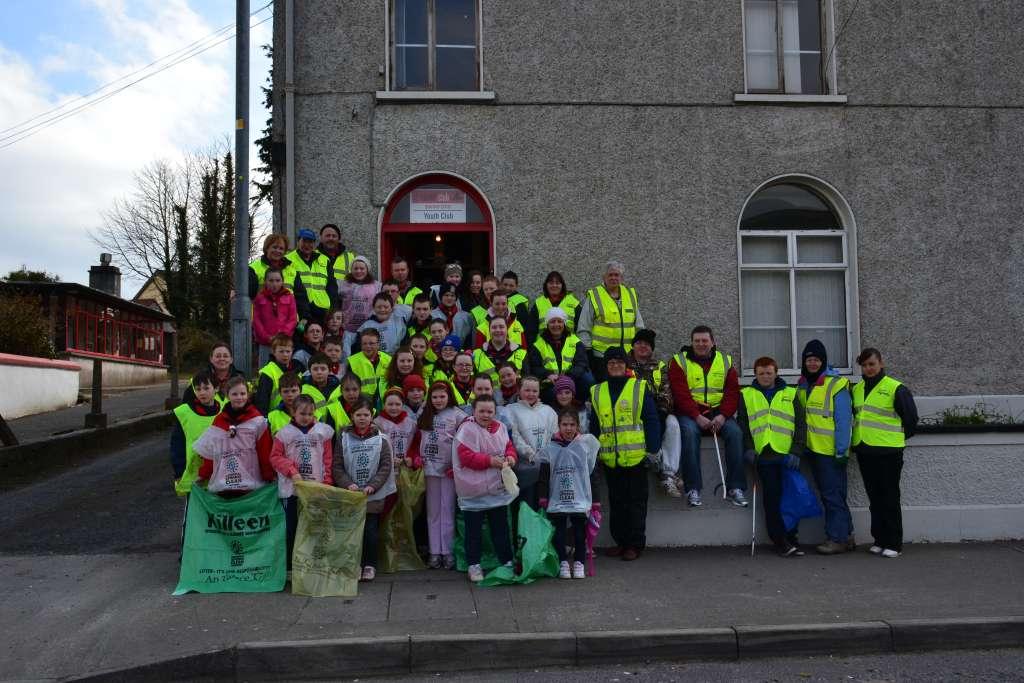 Annual National Spring Clean Swinford volunteers