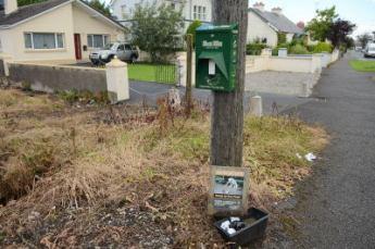 mutt mitts dispenser park road