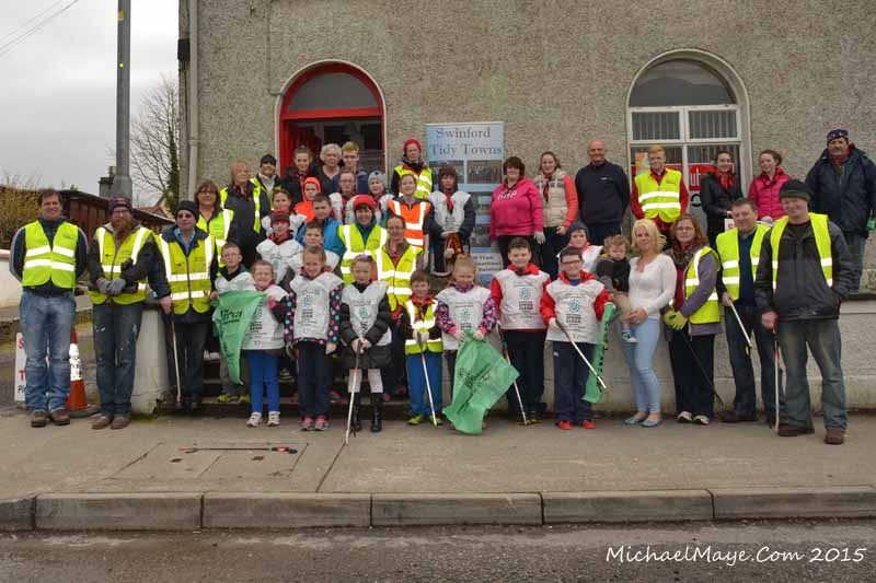 Swinford Tidy Towns Spring clean Good Friday 2015-MAY_4243