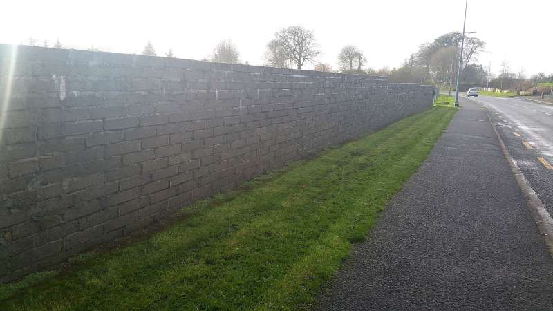 Swinford Amenity Park Wall project-20151125_121134