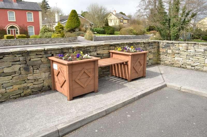 swinford-playground-planters-may_1998