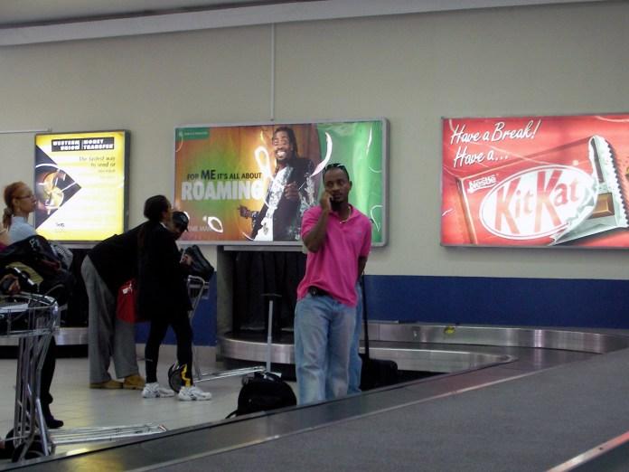 空港のターンテーブル