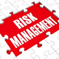 risk management puzzle logo