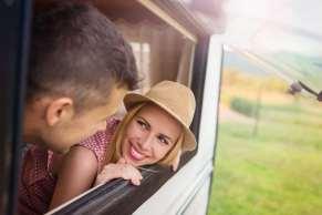 Couple cat caravan window2