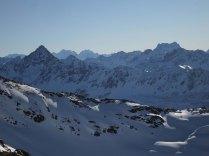 Flüela Schwarzhorn (left), Piz Kesch (right), Bernina Range (in the back)