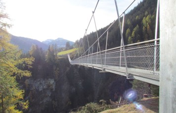 Hängebrücke Holzgau A 201m lang, 111m hoch