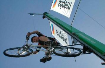 SkyBIKE - aufsteigen in den Himmel