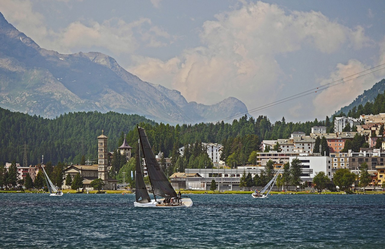 sailing-in-front-of-st-moritz-2641271_1920 (1)