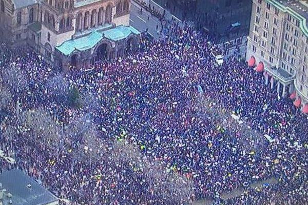 入国規制するトランプ大統領令に対し、全米各地で開かれた抗議集会の規模がスゴイ