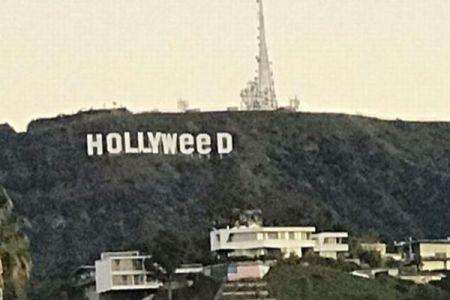 ハリウッドを象徴する有名な看板、その文字が何者かによって変えられてしまう