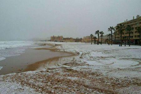 100年ぶり、70年ぶりが続出!地中海に面したスペイン南部で雪が観測され話題に