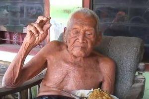 身分証では1870年生まれ、146歳と考えられてきたインドネシアの男性が亡くなる