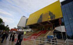 カンヌ映画祭で「ネットフリックス」作品にブーイング、その背景とは?